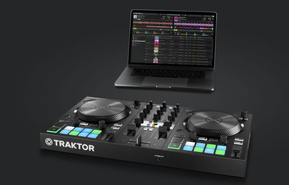 img-ce-crop-right-traktor_kontrol_s2_mk3_overview_02_intro-4d9db3d61036e4a2f77f6e7c1989a137-m@2x (1)