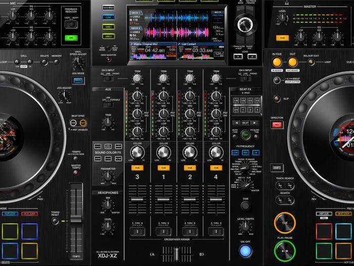 De mixer van een Pioneer XDJ XZ